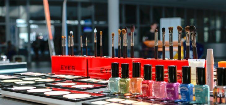 Salon kosmetyczny i manicure hybrydowy – jak poznać dobrą ofertę?